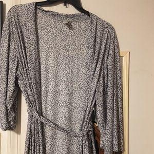 Delta Burke stretch robe plus size 2X like new